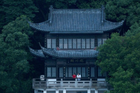 DWELLING_IN_THE_FUCHUN_MOUNTAI.jpg