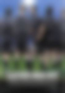 Eleven men out, Róbert I. Douglas