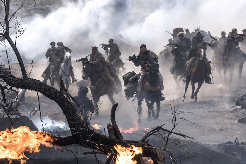 /db_data/movies/12strong/scen/l/410_03_-_Scene_Picture__David__1.jpg