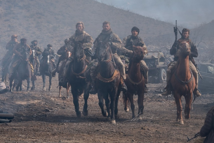 /db_data/movies/12strong/scen/l/410_08_-_Mitch_Chris_Hemsworth.jpg
