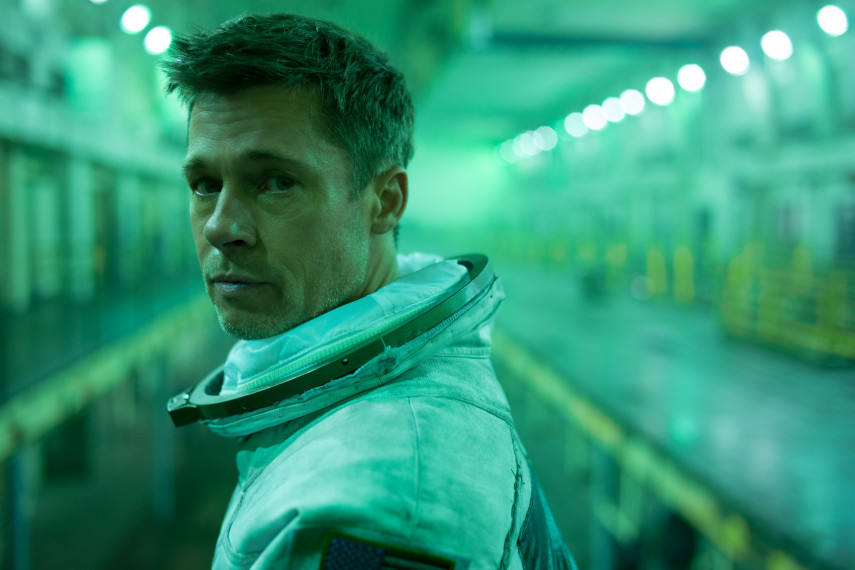 /db_data/movies/adastra/scen/l/410_04_-_Roy_Brad_Pitt_ov_org.jpg