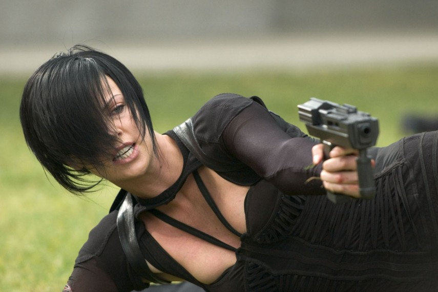 /db_data/movies/aeonflux/scen/l/031 AE-04988.jpg