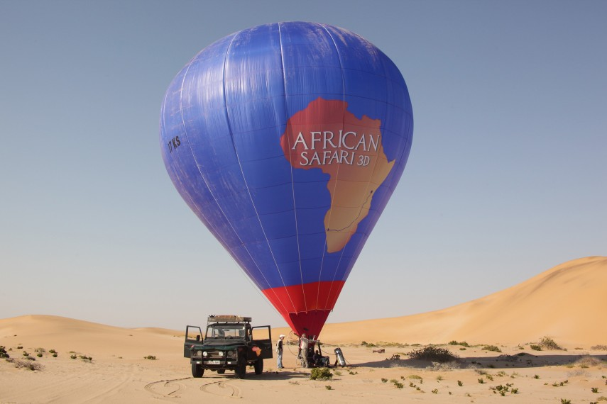 /db_data/movies/africansafari/scen/l/AS3D_AS_Balloon_Jeep_300.jpg