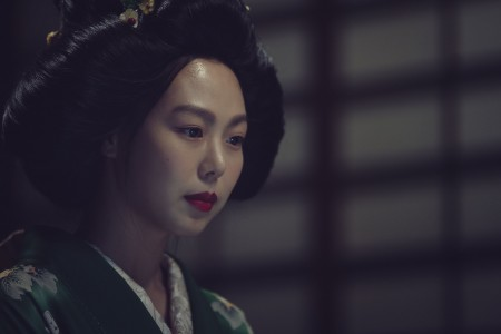 THE HANDMAIDEN_Still_112.jpg