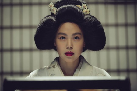 THE HANDMAIDEN_Still_123.jpg