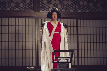THE HANDMAIDEN_Still_129.jpg