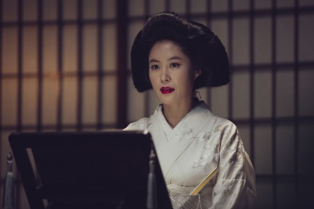 THE HANDMAIDEN_Still_134.jpg