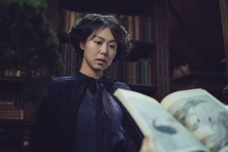 THE HANDMAIDEN_Still_158.jpg