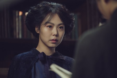 THE HANDMAIDEN_Still_159.jpg