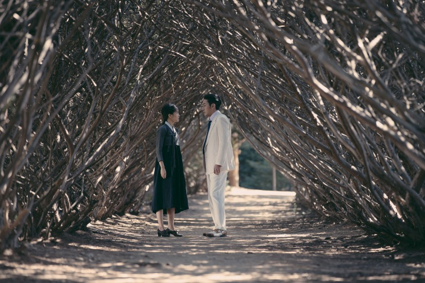 /db_data/movies/ahgassi/scen/l/THE HANDMAIDEN_Still_099.jpg