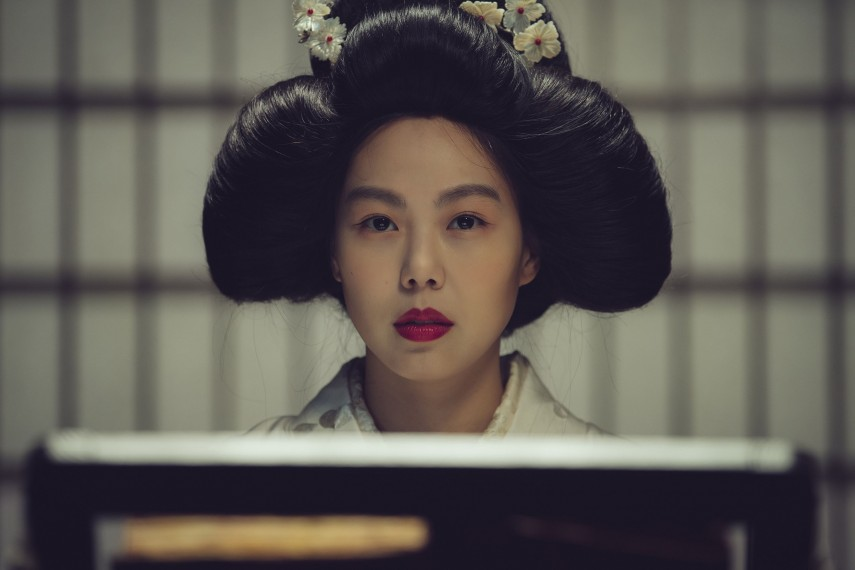 /db_data/movies/ahgassi/scen/l/THE HANDMAIDEN_Still_121.jpg