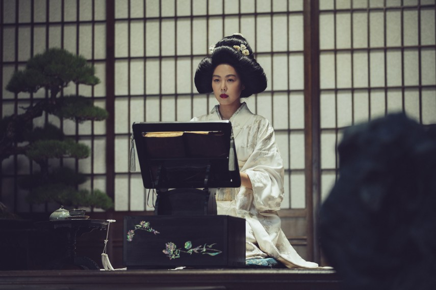 /db_data/movies/ahgassi/scen/l/THE HANDMAIDEN_Still_124.jpg