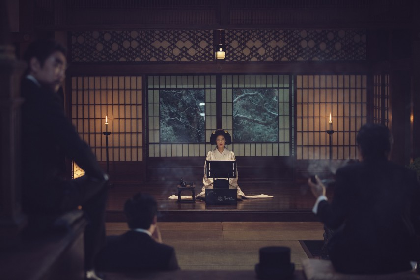 /db_data/movies/ahgassi/scen/l/THE HANDMAIDEN_Still_141.jpg