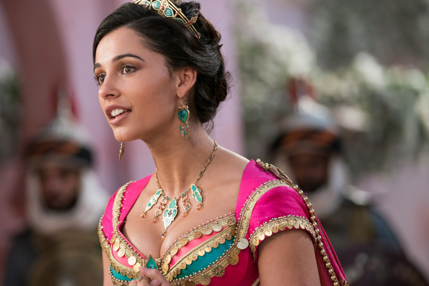 /db_data/movies/aladdin/scen/l/410_09_-_Jasmine_Naomi_Scott_ov_org.jpg