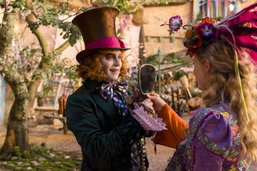 /db_data/movies/aliceinwonderland2/scen/l/410_05_-_Hatter_Tarrant_Highto.jpg