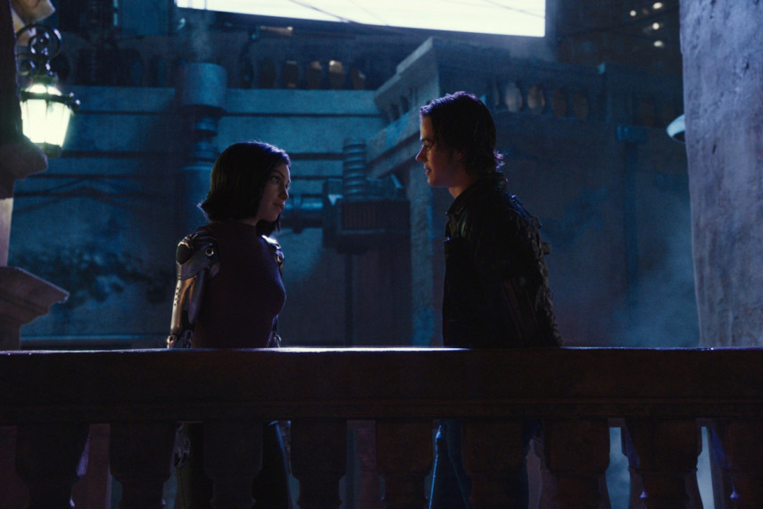 /db_data/movies/alitabattleangel/scen/l/521-Picture4-261.jpg