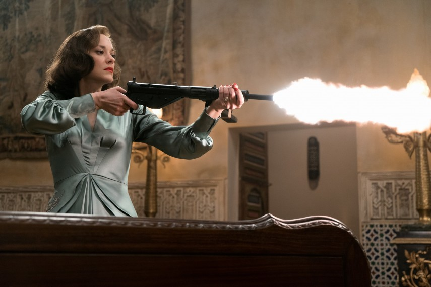 /db_data/movies/allied/scen/l/ALLIED_Cotillard_as_Marianne_Beausejour.jpg