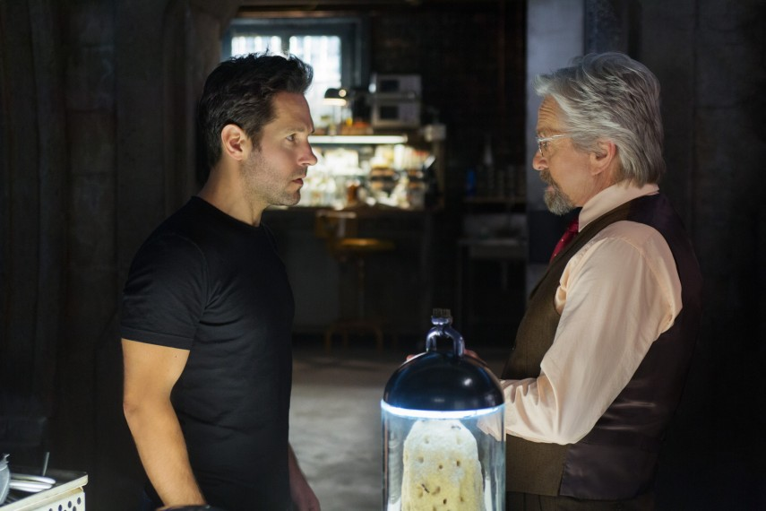 /db_data/movies/antman/scen/l/410_05__Scott_Lang_Paul_Rudd_H.jpg