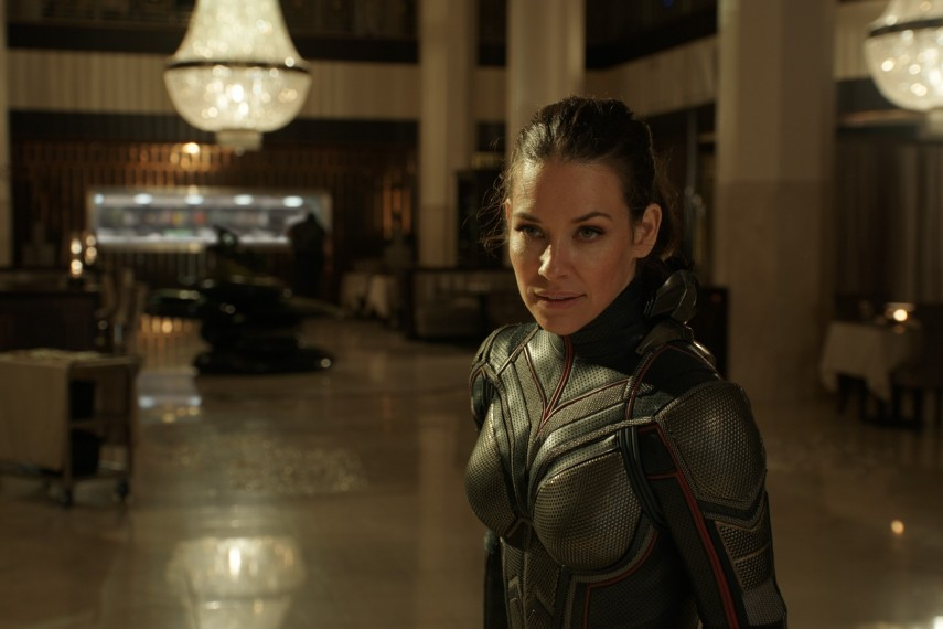 /db_data/movies/antman2/scen/l/410_05_-_Hope_Evangeline_Lilly.jpg