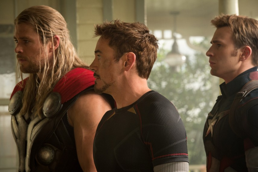 /db_data/movies/avengers20122/scen/l/410_07__Thor_Hemsworth_Tony_St.jpg