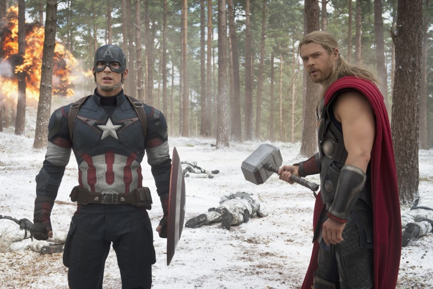 /db_data/movies/avengers20122/scen/l/410_14__Captain_America_Chris_.jpg