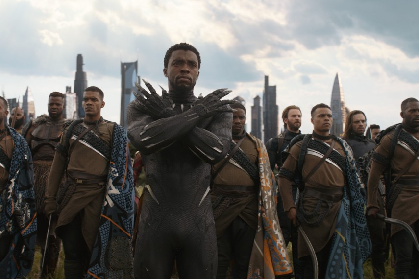 /db_data/movies/avengers20123/scen/l/410_18_-_Black_Panther_Chadwick_Boseman.jpg