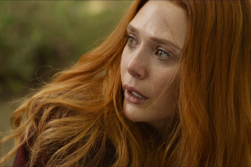 /db_data/movies/avengers20123/scen/l/410_29_-_Scarlet_Witch_Elizabeth_Olsen.jpg