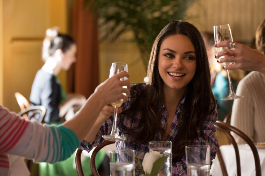 /db_data/movies/badmoms/scen/l/410_03_-_Amy_Mitchell_Mila_Kunis.jpg