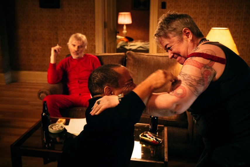 /db_data/movies/badsanta2/scen/l/410_08_-_Scene_Picture.jpg