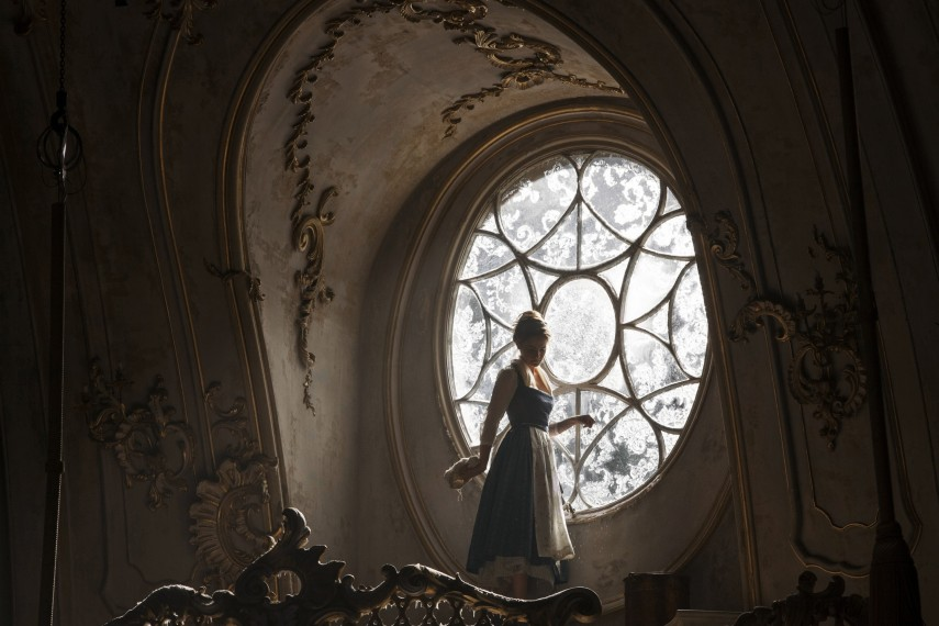 /db_data/movies/beautyandthebeast/scen/l/410_01_-_Belle_Emma_Watson.jpg