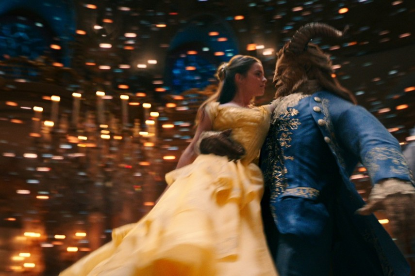/db_data/movies/beautyandthebeast/scen/l/410_08_-_Belle_Emma_Watson_The.jpg