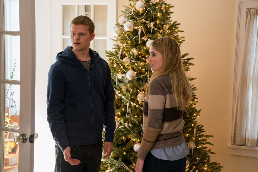 /db_data/movies/benisback/scen/l/410_02_-_Ben_Lucas_Hedges_Ivy_.jpg