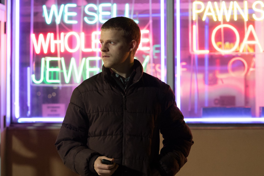 /db_data/movies/benisback/scen/l/410_11_-_Ben_Lucas_Hedges.jpg