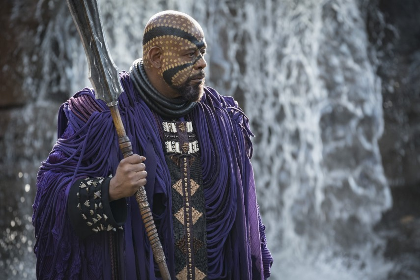 /db_data/movies/blackpanther/scen/l/410_17_-_Zuri_Forest_Whitaker.jpg