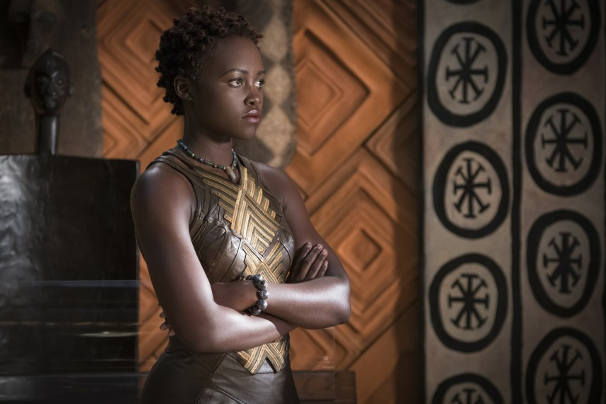 /db_data/movies/blackpanther/scen/l/410_27_-_Nakia_Lupita_Nyongo.jpg