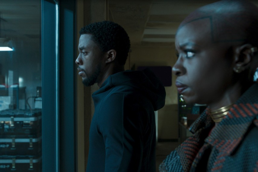 /db_data/movies/blackpanther/scen/l/410_41_-_TChalla_Chadwick_Bose.jpg