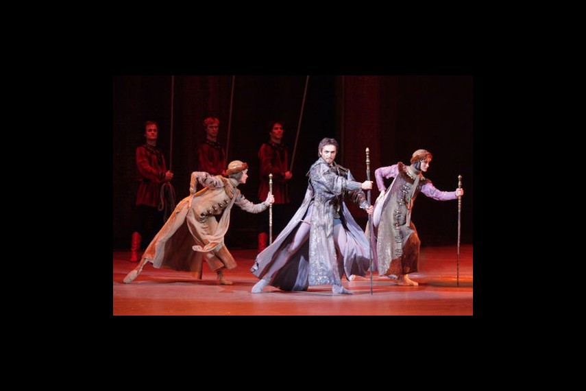 /db_data/movies/bolshoitheaterivantheterrible/scen/l/preview_Grozny-1-photo-by-Damir-Yusupov.jpg