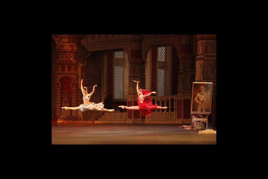 /db_data/movies/bolshoitheaterlabayadere/scen/l/preview_Bayadere-13-photo-by-Damir-Yusupov.jpg