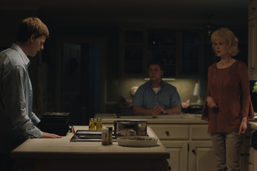 /db_data/movies/boyerased/scen/l/410_09_-_Jared_Lucas_Hedges_Ma.jpg