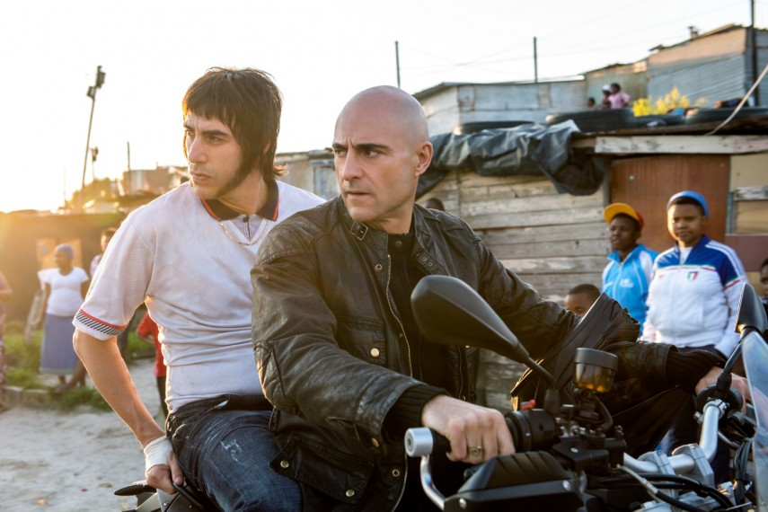 /db_data/movies/brothersgrimsby/scen/l/410_03__Norman_Grimsby_Sacha_B.jpg