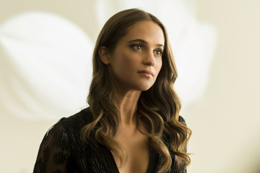 /db_data/movies/burnt/scen/l/410_10__Anne_Marie_Alicia_Vikander.jpg