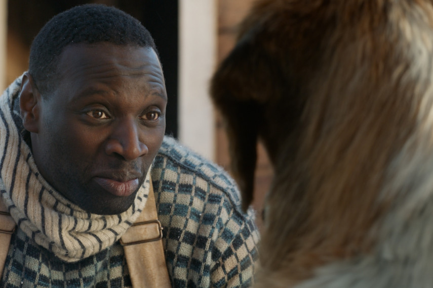 /db_data/movies/callofthewild/scen/l/410_02_-_Unknown_Omar_Sy_ov_org.jpg