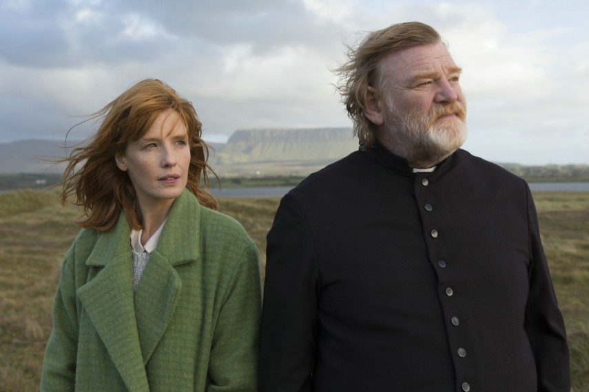 /db_data/movies/calvary/scen/l/410_02__Fiona_Kelly_Reilly_Jam.jpg