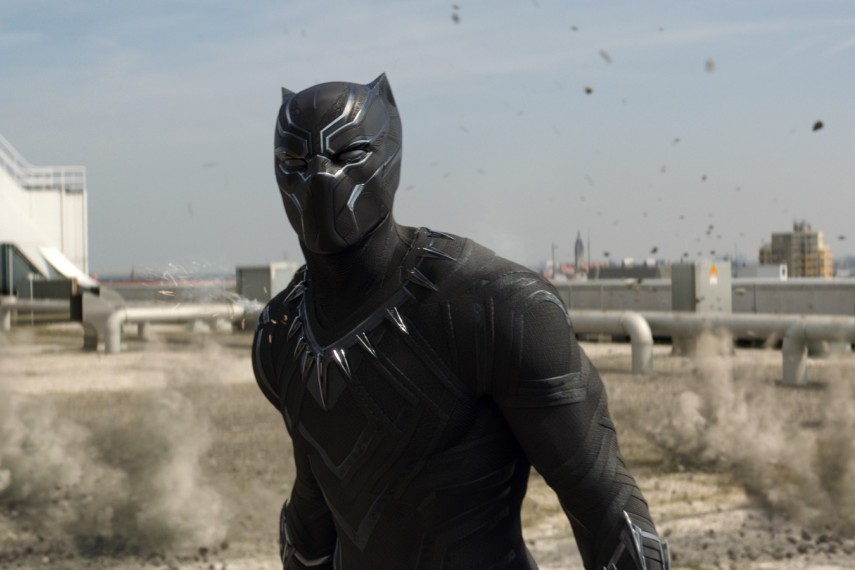 /db_data/movies/captainamerica3/scen/l/410_02_-_Black_Panther_Chadwick_Boseman.jpg