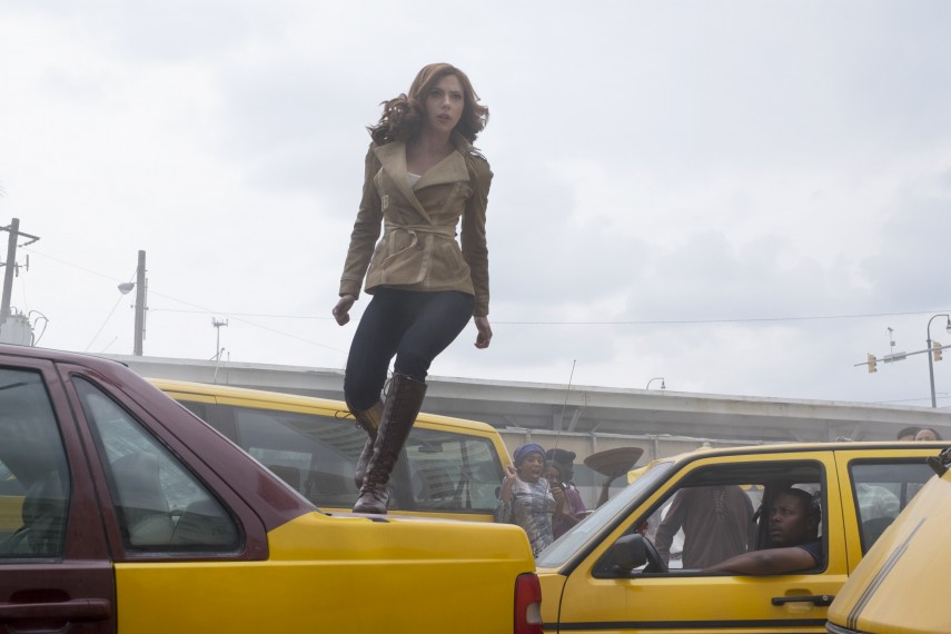 /db_data/movies/captainamerica3/scen/l/410_14_-_Natasha_Romanoff_Scar.jpg