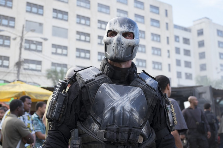 /db_data/movies/captainamerica3/scen/l/410_15_-_Crossbones_Frank_Grillo.jpg
