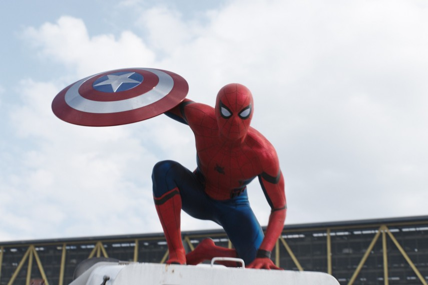 /db_data/movies/captainamerica3/scen/l/410_28_-_Spider-Man_Tom_Holland.jpg