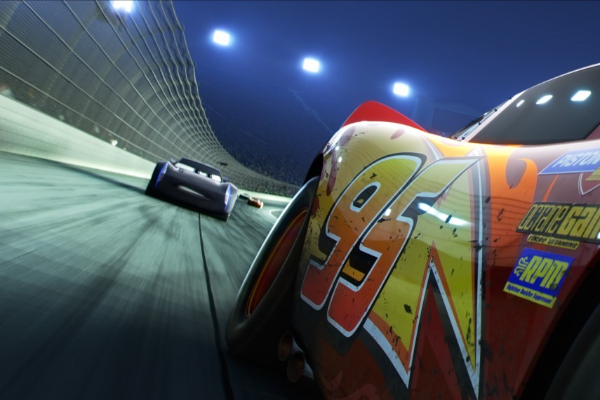 /db_data/movies/cars3/scen/l/410_01_-_Scene_Picture.jpg