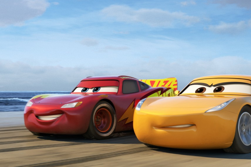 /db_data/movies/cars3/scen/l/410_03_-_Scene_Picture.jpg