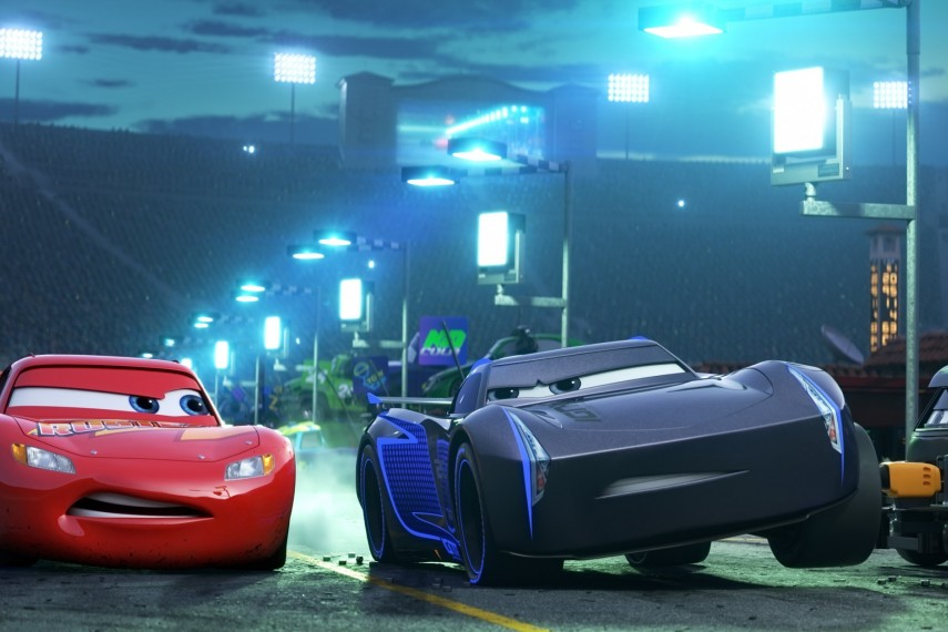 /db_data/movies/cars3/scen/l/410_08_-_Scene_Picture.jpg